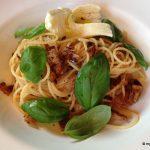 Spaghetti mit Brotbröseln
