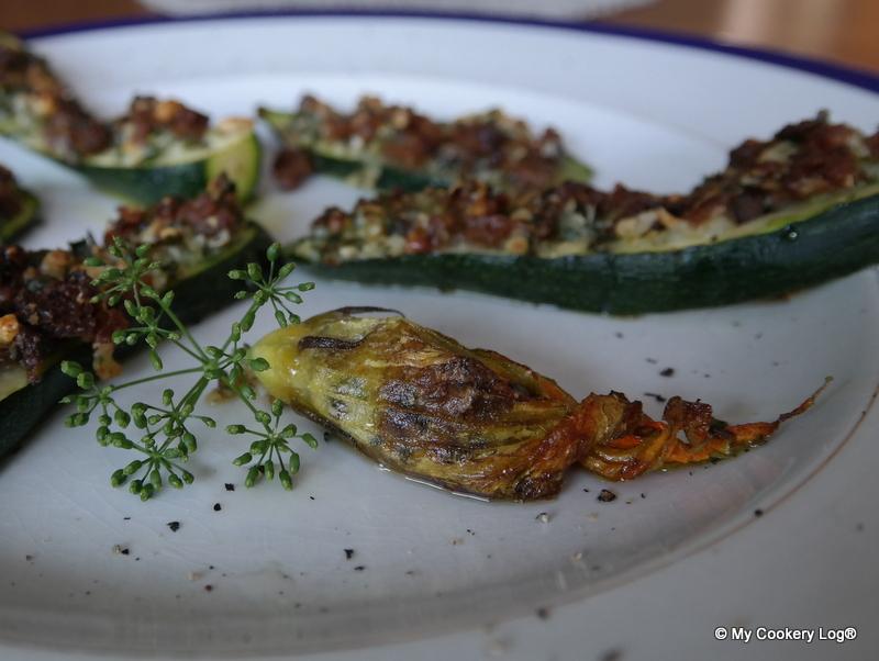 zucchini al forno gef llte zucchini bl ten ein rezept aus sardinien my cookery log my. Black Bedroom Furniture Sets. Home Design Ideas