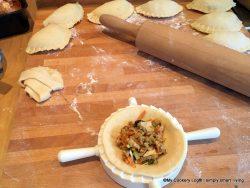 Kartoffelteig-Taschen mit Gemüsefüllung